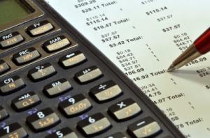 reveja suas contas, renegocie com os fornecedores de serviços